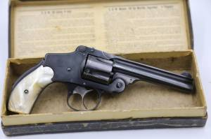 """Smith & Wesson 38 Safety Hammerless 4th Model 4"""" Blue"""