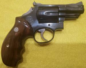 """Smith & Wesson  Model 19-3 Round Butt 2½"""" Blue Custom Mint"""